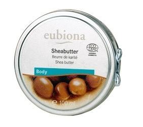 Masło shea - niezbędne wyposażenie damskiej torebki.