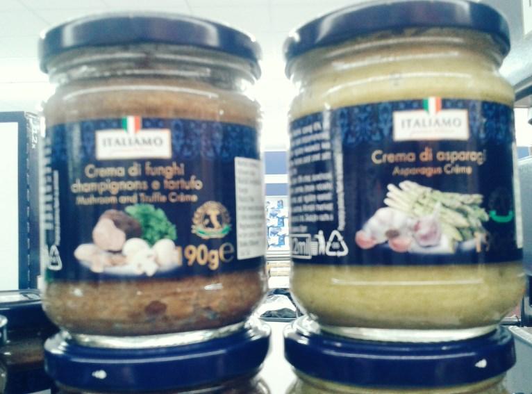 Pasta pieczarkowo-truflowa i szparagowa - wegańskie, jako sos lub na chleb (i znów nieostre zdjęcie...)