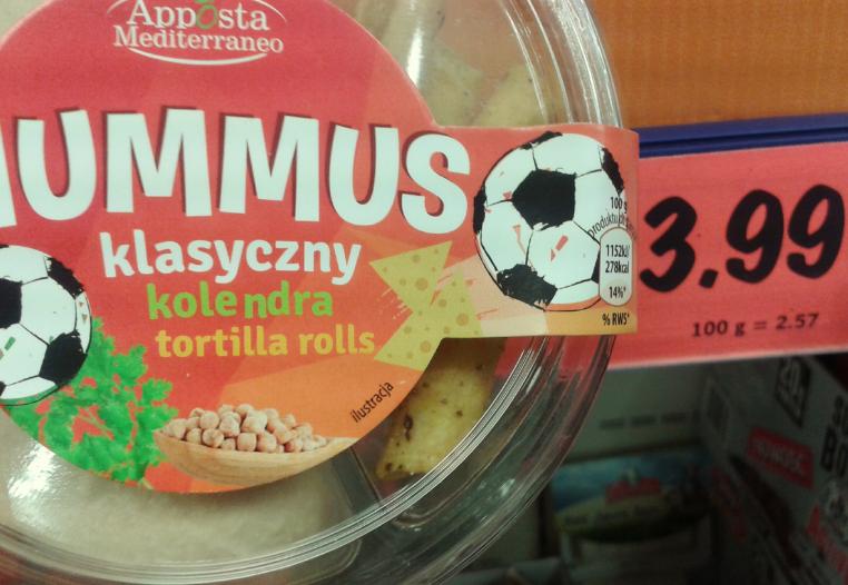 """I hummus w wersji """"dla kibica"""" z kolendrą:)"""