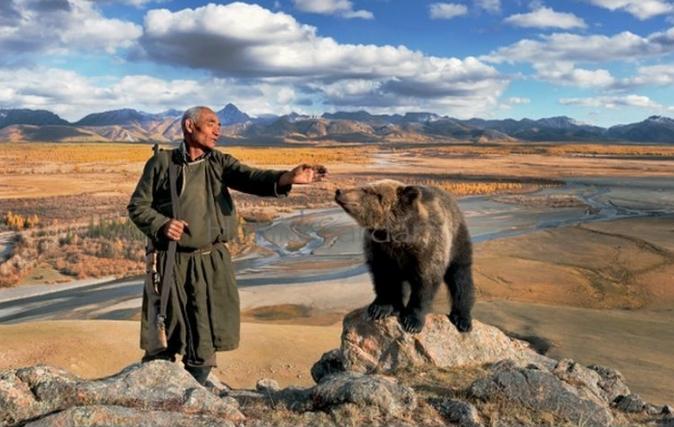 Dukha uważają, że mają duchowy związek ze wszystkimi zwierzętami.